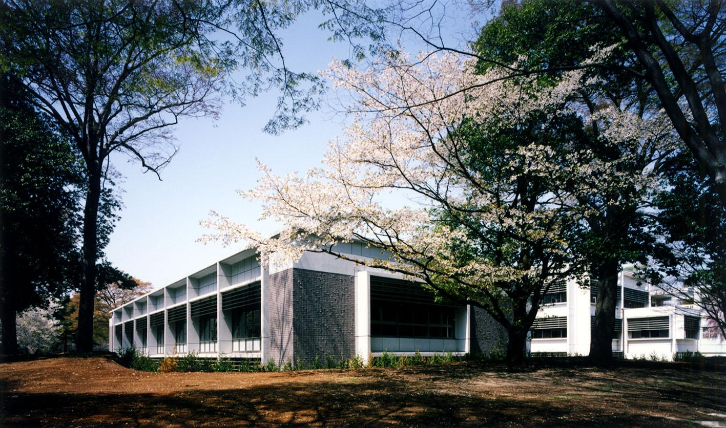 国際基督教大学 新図書館